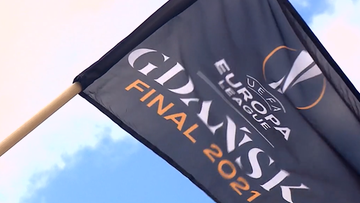 Liga Europy: Gdańsk gotowy na finał! Flagi na głównych ulicach miasta