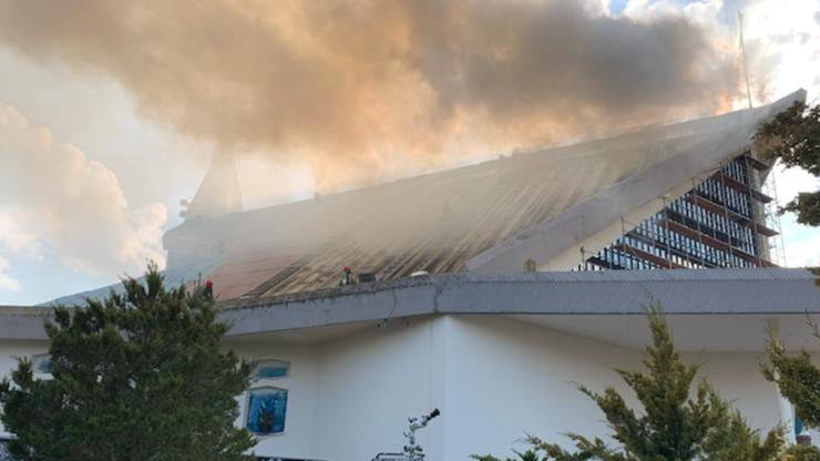 Pożar dachu kościoła w Białymstoku. Strażacy podali przyczynę