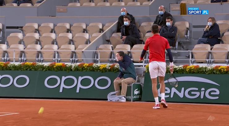 Novak Djoković znów trafił sędziego! Obyło się bez konsekwencji